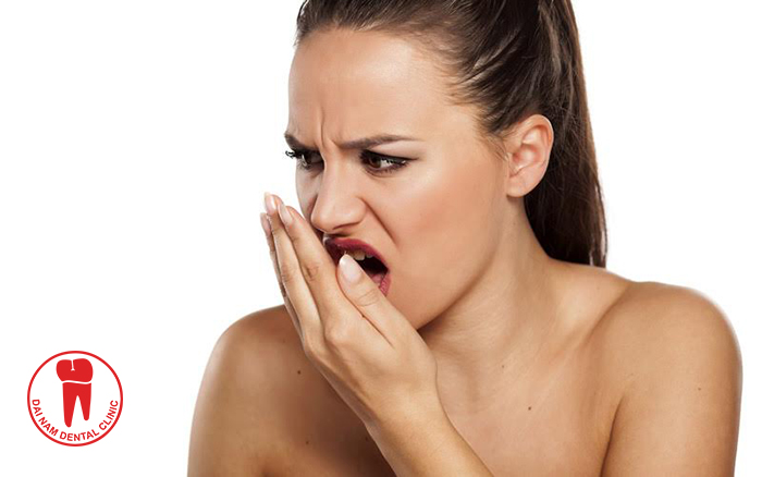 The saliva will leach into with food trapped without being cleaned will cause bad breath problems