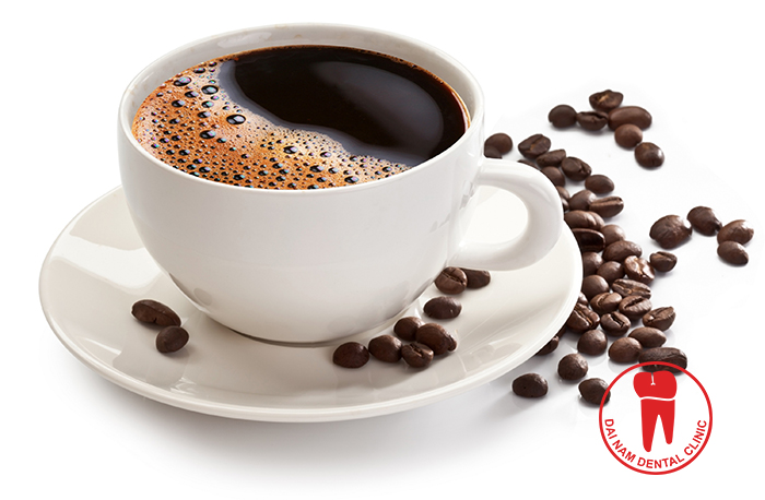 Do not drink coffee, carbonated beverages because the acid component of which easily damaged teeth