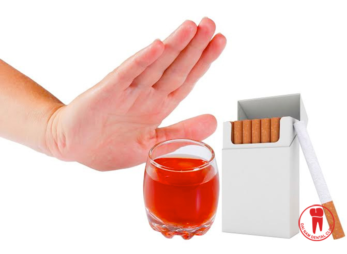 Tobacco is one of factors causing teeth staining